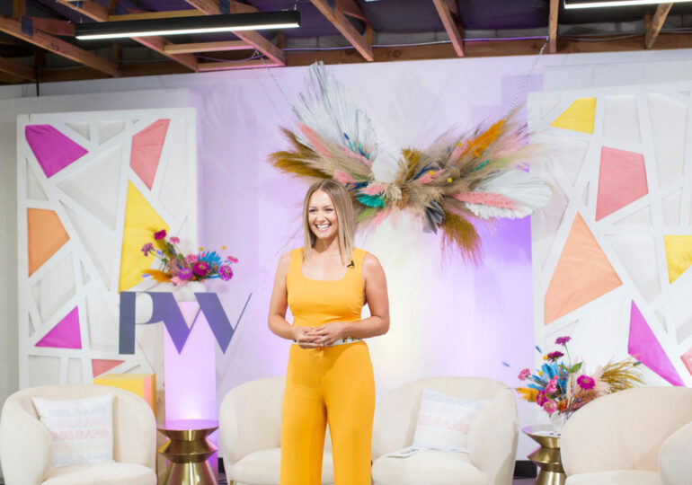 "Meet Lindsey Schwartz: The Woman Leading ""Powerhouse Women,"" A Company Working To Help Women Have Successful Businesses And Lives"