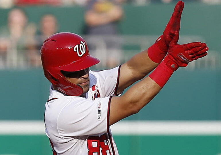 "Gerardo Parra, The ""Baby Shark"" Phenomenon, Donated 40 Tons Of Food To His Venezuelan Hometown This Year"