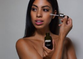 A Genuine Beauty and Fashion Influencer who Shares the Products She Swears By. This is Carolina Real.